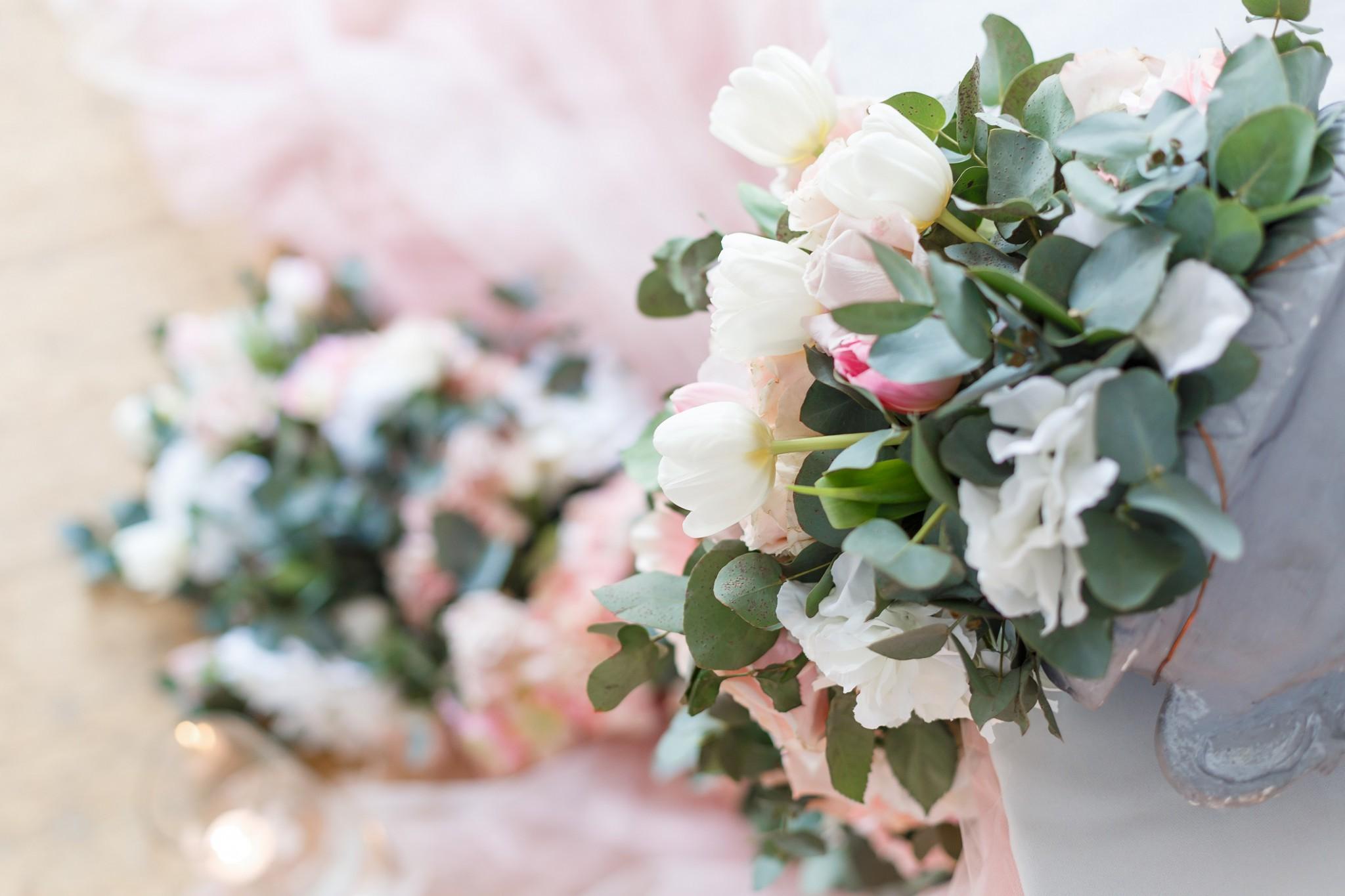 結婚式の 花 にかかる金額をなるべく抑えたい 装花節約5つの