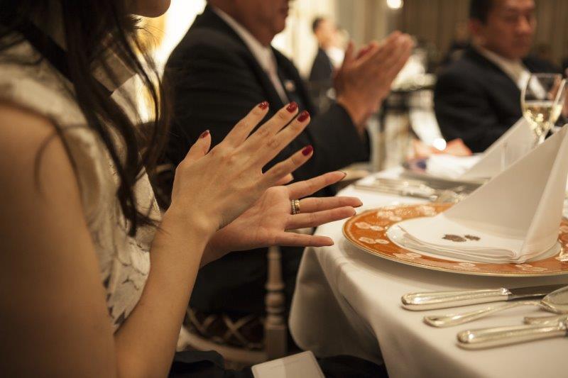 結婚式の招待客の優先度。親戚(親族)×友人、上司×友人3