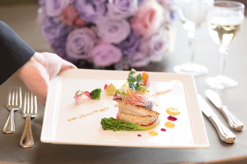 結婚式でのマナー(受付・食事)2