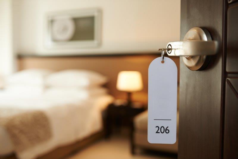 結婚式の遠方ゲストのホテル代はどこまで負担する?1