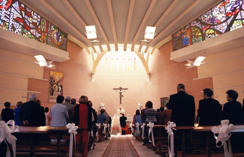 結婚式を教会で行う(教会式)場合の流れとは1
