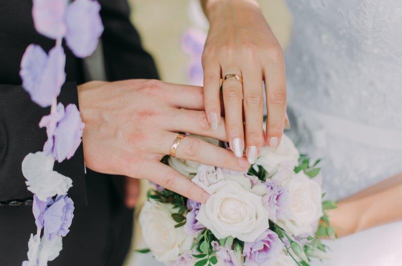 婚約指輪と結婚指輪は違うブランドで選んでも良いのか2