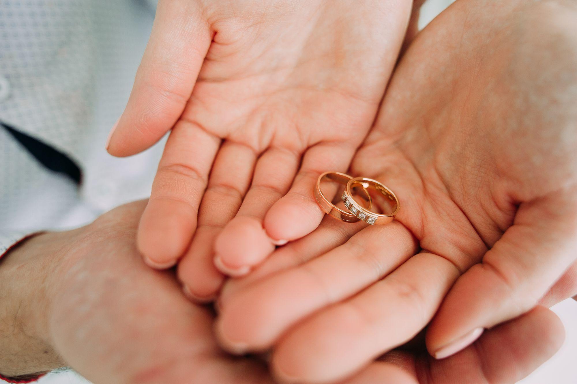 婚約する意味って?婚約の必要性とは