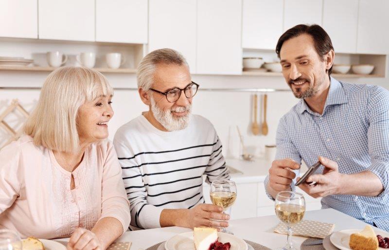 結婚前の両家顔合わせは必要?最適な時期やタイミングとは?2