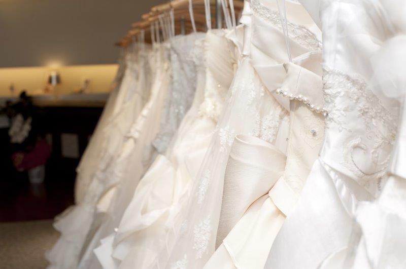 フォトウェディングにドレスの持ち込みは可能なの?3