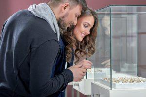 婚約指輪と結婚指輪は同じブランドで選ぶ?1