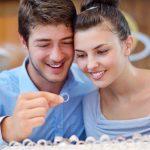 婚約指輪と結婚指輪は一緒(同時)に買う?彼氏と一緒に選ぶもの?1