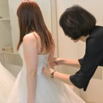 【体験レポ】視覚障害者の私がウェディングドレスを触って選んで試着してみた