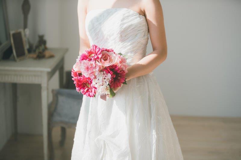 結婚式場見学の服装やチェックポイントまとめ ドレス試着