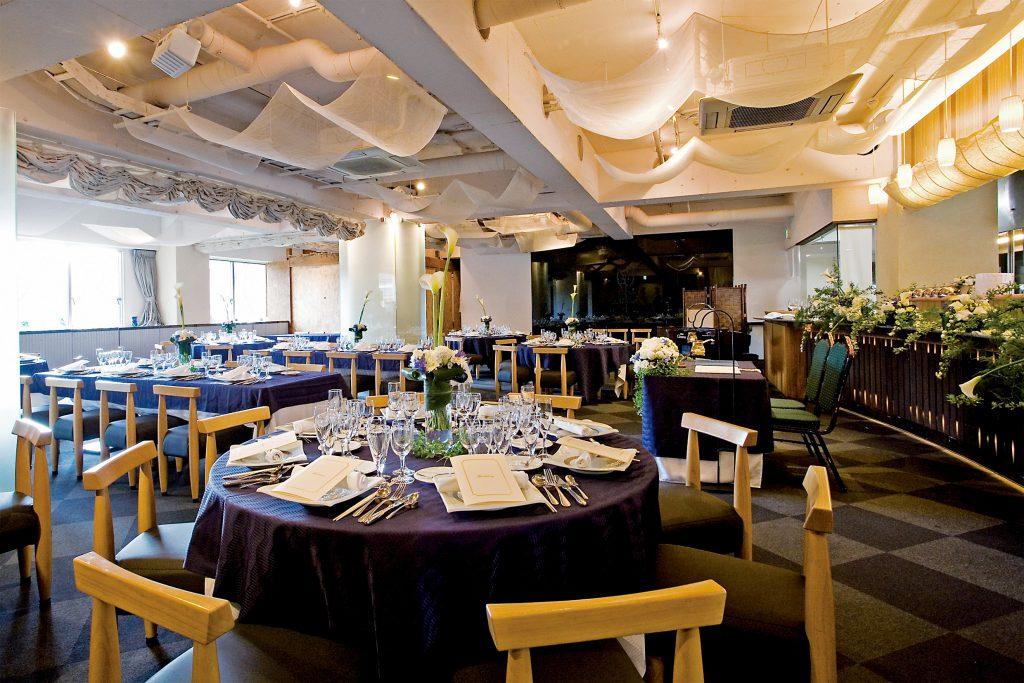 fdfdd2be0fa76 天満橋駅、谷町四丁目駅からそれぞれ徒歩5分のところにある「Le Clos de Mariage」は、料理が自慢のアットホームな会場です。レストランで 料理をオーダーするように、 ...