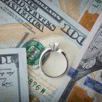 結婚式の自己負担額ってどのくらい?結婚式で大事な「お金」のことについて
