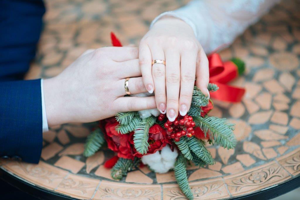 授かり婚での両親への挨拶 タイミングやポイントは?