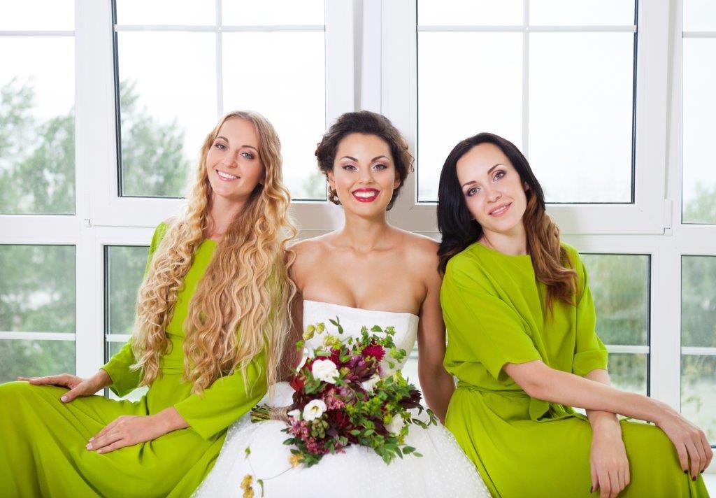 結婚式1.5次会の服装のポイント セミフォーマル