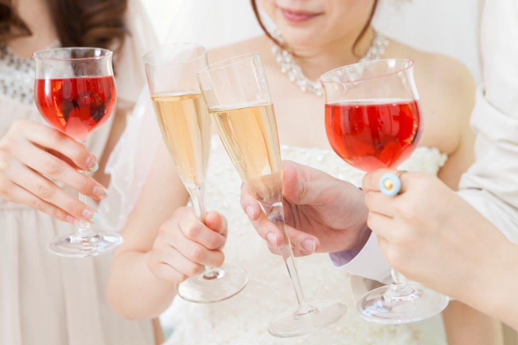 結婚式と二次会はセットでやるのが必須!?3