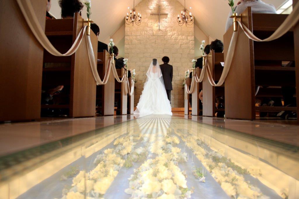 結婚式での親族の服装マナーをチェック!top